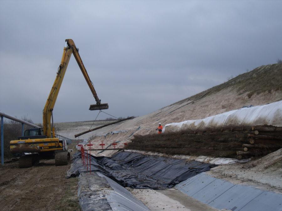 Stabilisation d'un terril de déchets industriels - Chognot